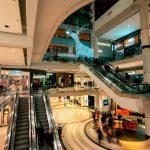 Centro commercial antes de la Navidad