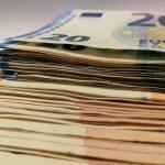 Banknotes de euros – otorgados a plazos