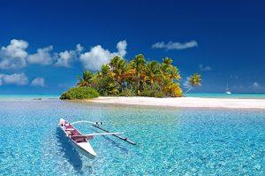 Maldives - financiados por préstamo para viajar a vacaciones, cielo azul y el oceano